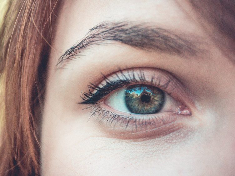 A Doctor's Top Tips for Longer Lashes